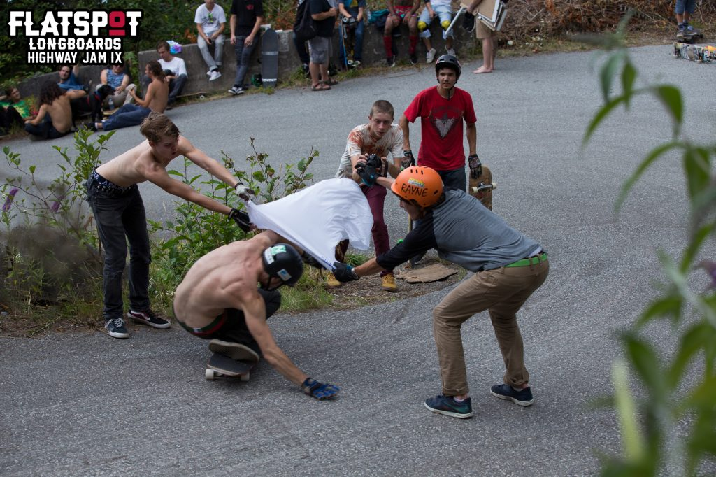 caliber-trucks-highway-jam-freeride-longboarding-flatspot-longboards-longboard-session-longboard-event-prism-skateboards-liam-morgan-james-kelly-jordan-riachi-cooper-16