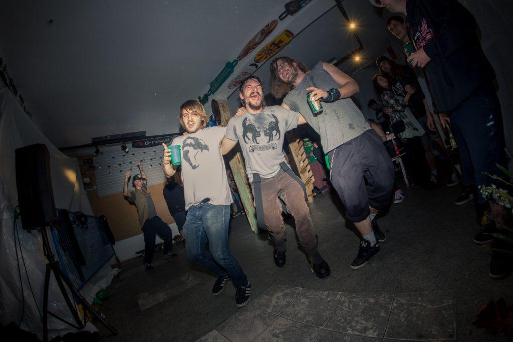 flatspot_end_of_year_party-18banjo-man-coast-longboarding-flatspot-longboards-steep-shot-craig-barker