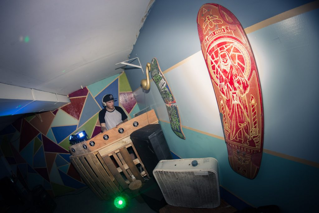 flatspot_end_of_year_party-23banjo-man-coast-longboarding-flatspot-longboards-steep-shot-craig-barker